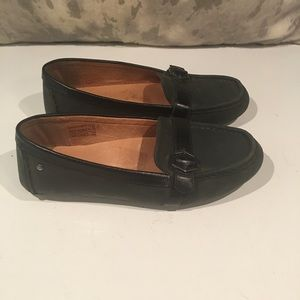 COMFORTABLE RUGGED UGG LOAFERS SIZE 7.5